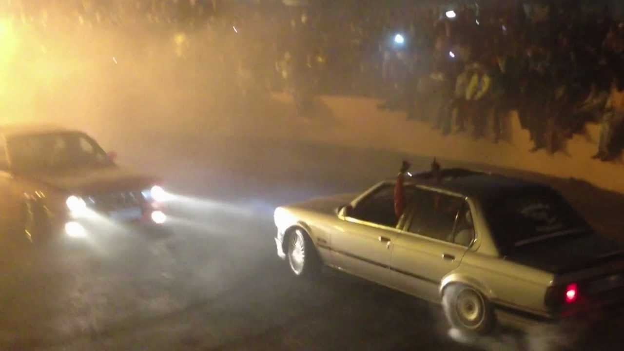 2 BMW 325is Spinning