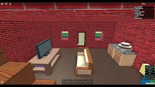 Building a simple tall house in sandbox ( Roblox )