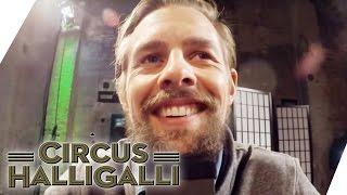 Circus HalliGalli Aushalten: Nicht lachen Vol.2 Teil 1 | ProSieben thumbnail