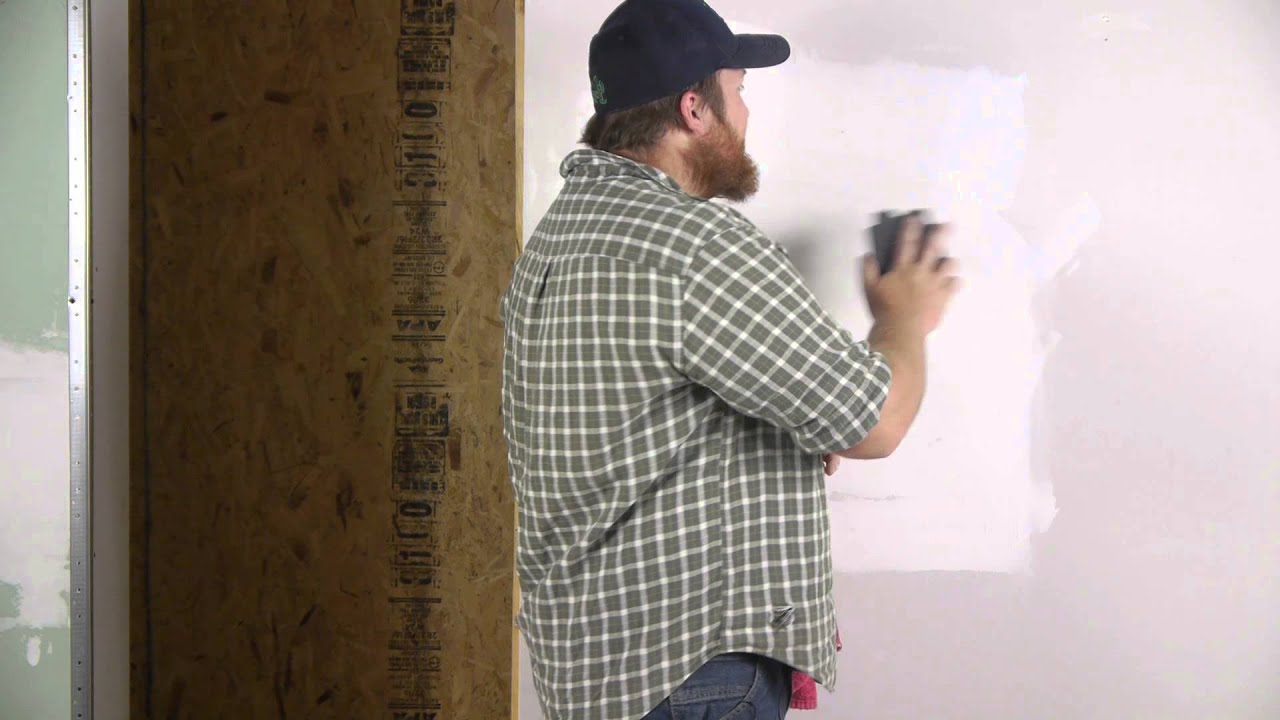 How to Prepare Drywall for Wallpaper : Repairing Walls