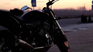 KAWASAKI z1000 and Honda hornet 600(Наше сообщество в ВК - https://vk.com/motoskyline Много авторских видео и фото, все снимаем сами. video KAWASAKI z1000 - 2008 and HONDA..., 2014-09-14T14:56:29.000Z)