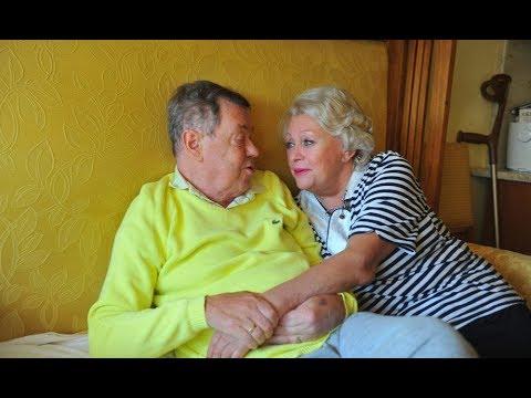 """""""Еще был в сознании"""": внучка Караченцова опубликовала его фото, сделанные в последние часы жизни"""