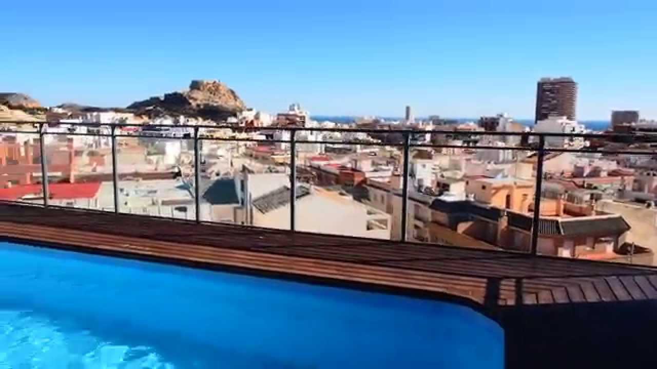 Precioso atico con piscina y vistas despejadas en san blas for Piscina de san blas