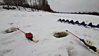 РЫБАЛКА НА РЕКЕ ЗИМОЙ ЛОВЛЯ СОПЫ на мормышку Зимняя рыбалка на подлещика