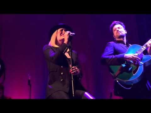 Sarah Connor - From Sarah With Love (Muttersprache Tour  Bremen 21.9.2015)