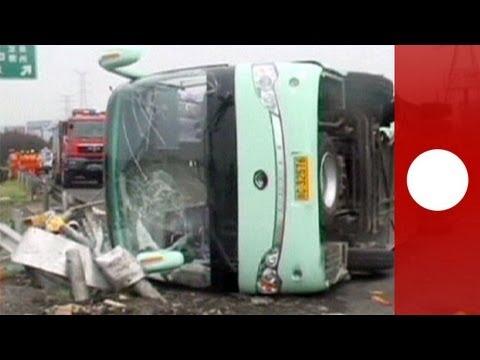 Cina: incidente in autostrada, immagini scioccanti riprese dalle telecamere