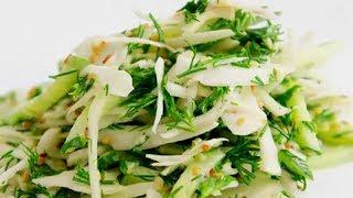 Салат Зеленый рецепт. Низкокалорийный салат. Рецепт салата из капусты, огурцов, листьев салата и яиц