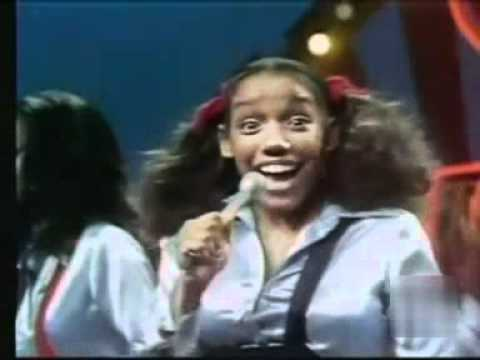 Sister Sledge - Love Don't Go Through No Changes On Me (SOUL TRAIN).avi