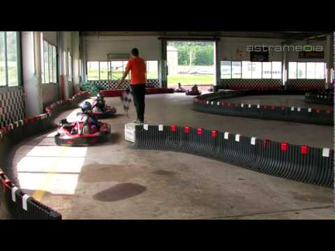 Good kart in door sarl vuiteboeuf karting vuiteboeuf for Karting interieur