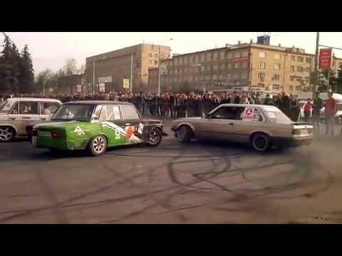 ДРИФТ на русских машинах Дрифтинг ВАЗ дрифт 2106 дрифт на ВАЗ 2105 в городе дрифт на тазах 2105 2106