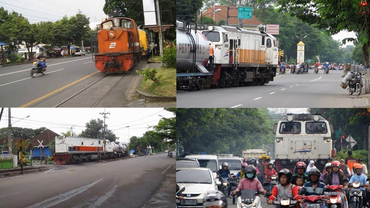 3 Jalur Kereta Api Di Indonesia Yang Mepet Banget Jalan Raya Youtube