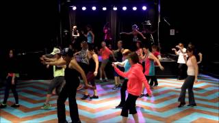 Zumba - Happy (from Despicable Me 2) - Pharrell Williams Video