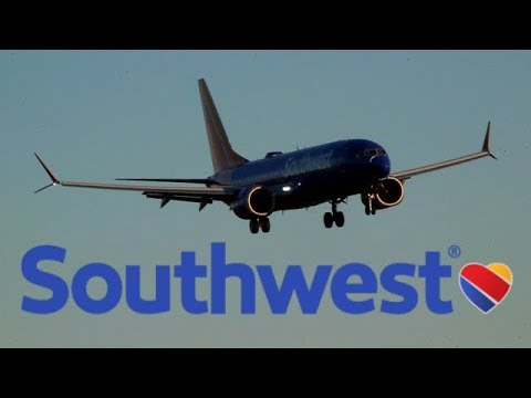 [HD] Southwest boeing 737 TRIPLE MAX 8 action at Albany airport (WINDY!)
