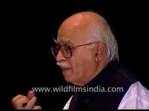L. K. Advani inaugurates Harappan gallery at National Museum in New Delhi