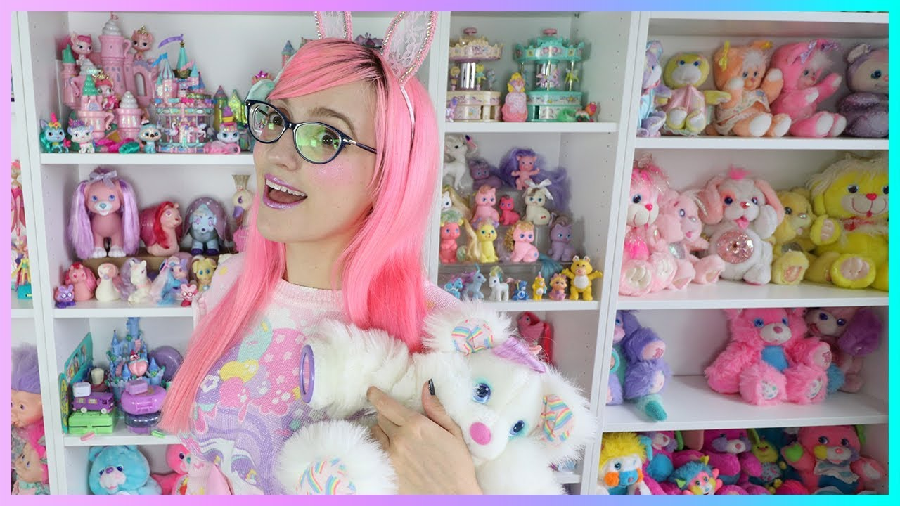 Let's Play with Vintage Toys! (Toy Collection Room!)