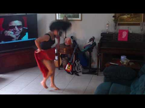 AGUANILE CUBAN GIRL DANCE