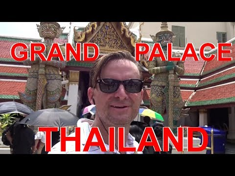Touring the GRAND PALACE of the EMERALD BUDDAH in Bangkok Thailand