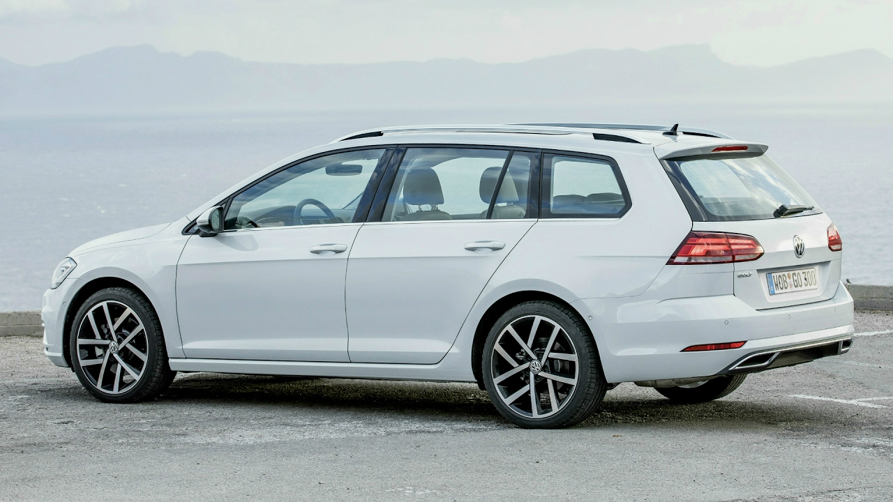 2017 Volkswagen Golf Variant Larger And More