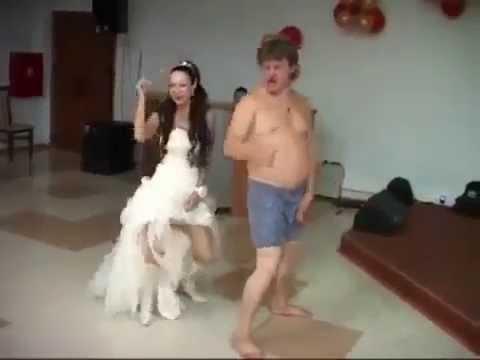 goliy-konkursi-na-svadbe-video