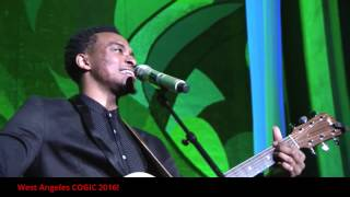 "Jonathan McReynolds Performing ""No Gray"" at West Angeles COGIC 2016"