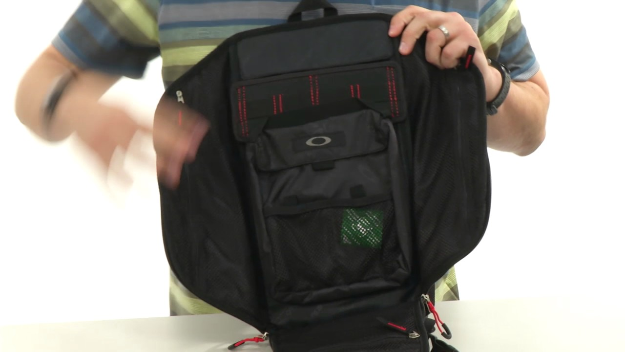 f75eb5f346 Oakley Extractor Sling Pack SKU 8792046 - YouTube