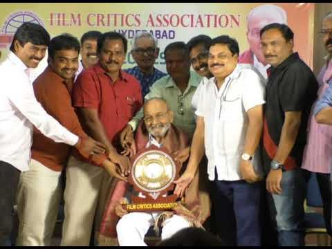 Director k.vishwanath sanmanam by film critics  association