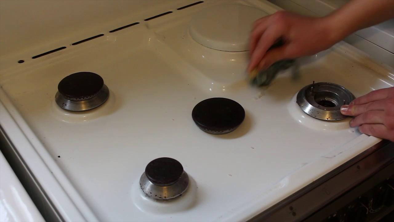 comment bien nettoyer ses plaques de cuisson youtube. Black Bedroom Furniture Sets. Home Design Ideas