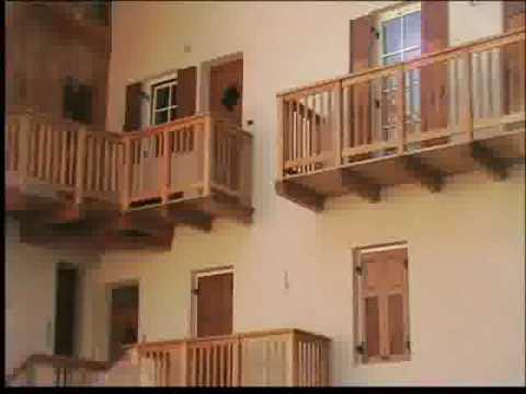 Strutture in legno per balconi youtube for Grate in legno per balconi