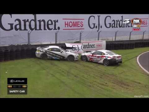 Toyota Finance 86 Championship 2016. Race 1 Pukekohe. Jacob Smith & Miles Cockram Crash