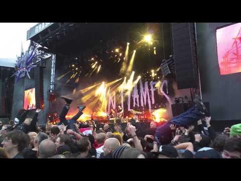 Graspop 2015 - In Flames Crowdsurfathon