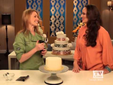 Sugar Flower Cake Shop On TV Land's Best Night In - Buttercream