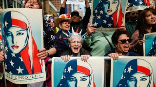Protesters gather to declare allegiance to Islam and hate toward President Trump HD