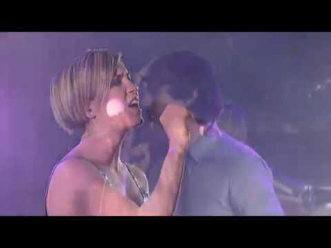 "Gotye feat. Missy higgins  ""Somebody I used To Know"" Live"