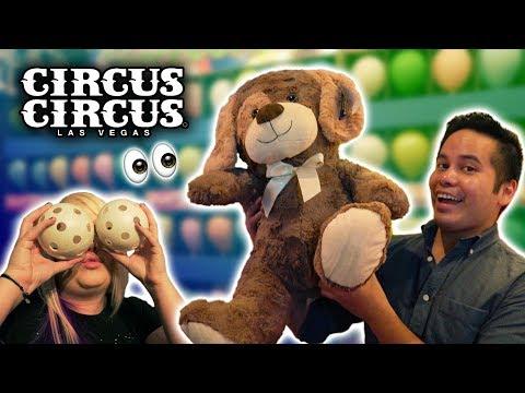 Playing tons of carnival games at Circus Circus Las Vegas!
