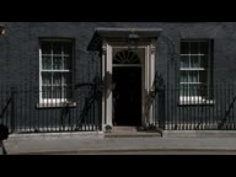 UK cabinet agrees to PM May's Brexit deal