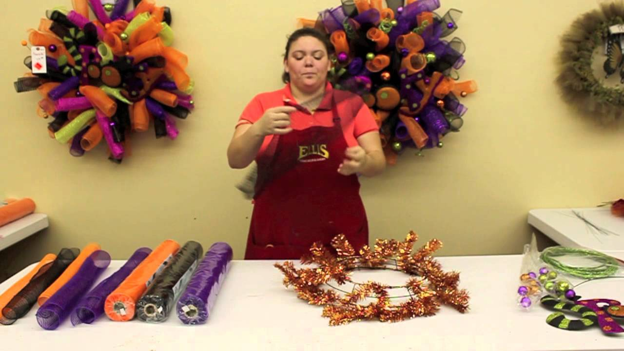 how to make a halloween wreath youtube. Black Bedroom Furniture Sets. Home Design Ideas