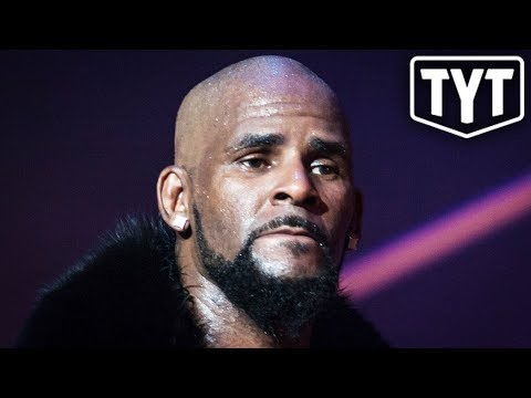 Warrant Issued For R. Kelly's Arrest