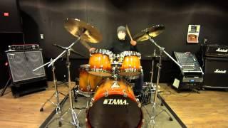 謎のドラマー、まーくん です。。 大好きな曲で、ドラムの練習をしてみ...