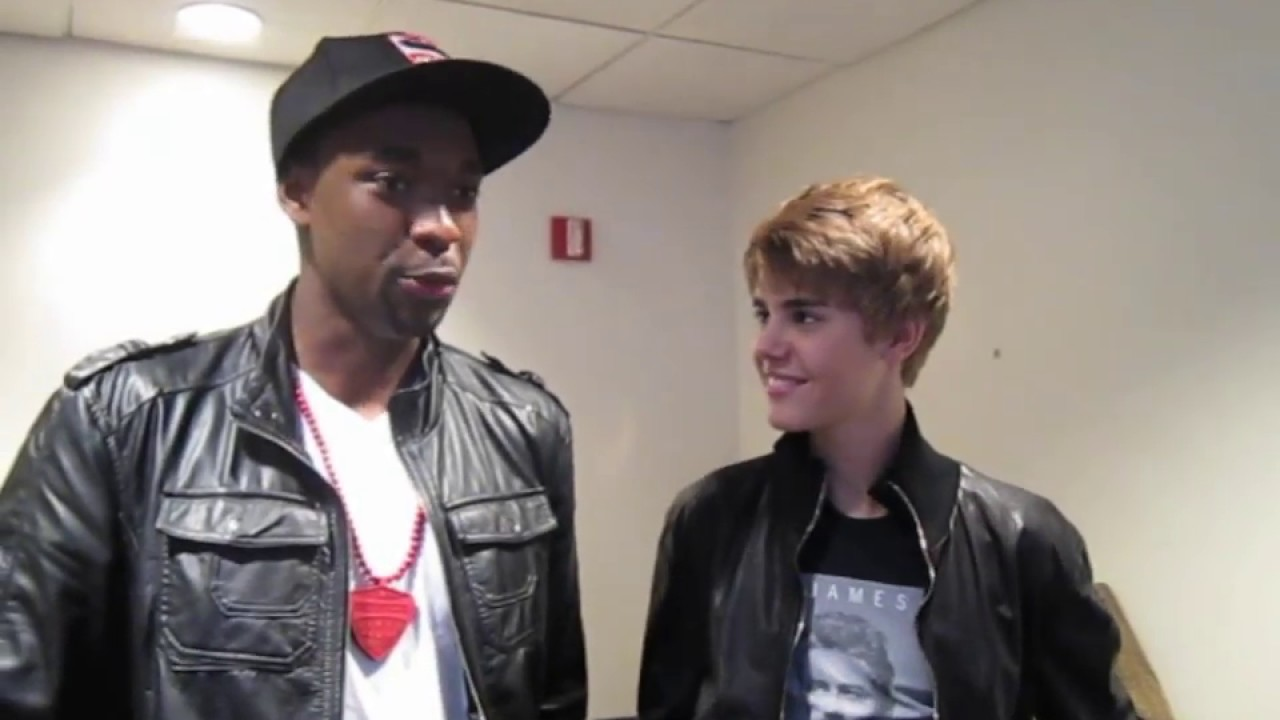 Everyone is going to see Justin Bieber: NEVER SAY NEVER 3D!!  MUST WATCH