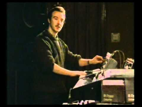 Midge Ure Ultravox - Minimoog & PPG Wave interview 1983