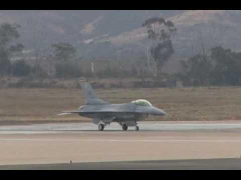 2009 MCAS Miramar Airshow - F-16 Fighting Falcon Demonstration & USAF Heritage Flight