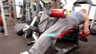 Сгибание 1 ноги лежа в тренажере для бицепсов бедер. Как накачать бицепс бедра