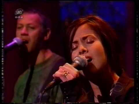 Natalie Imbruglia - Torn (Live on Letterman)