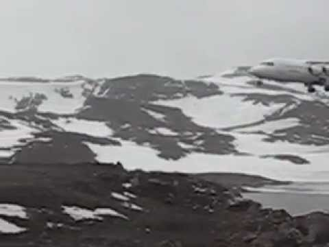 Aircraft landing in Antartica.avi