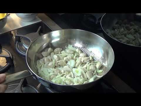 recette-des-aiguillettes-de-poulet-et-pak-choï-sauce-saté