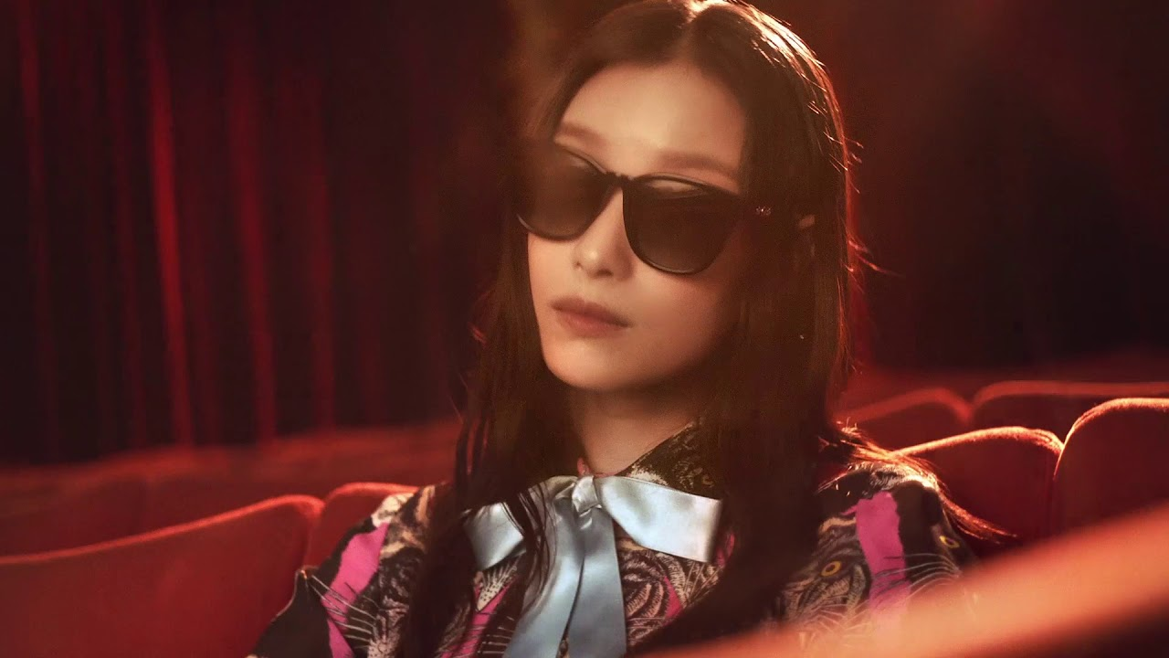 88b38fda3e0cf Ni Ni for Gucci Eyewear Fall Winter 2017 - YouTube
