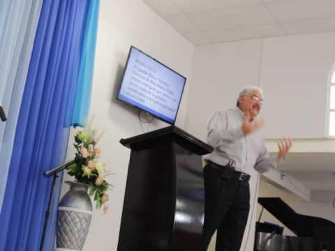 La iglesia de pies hermosos - Enrique Hernandez Nava