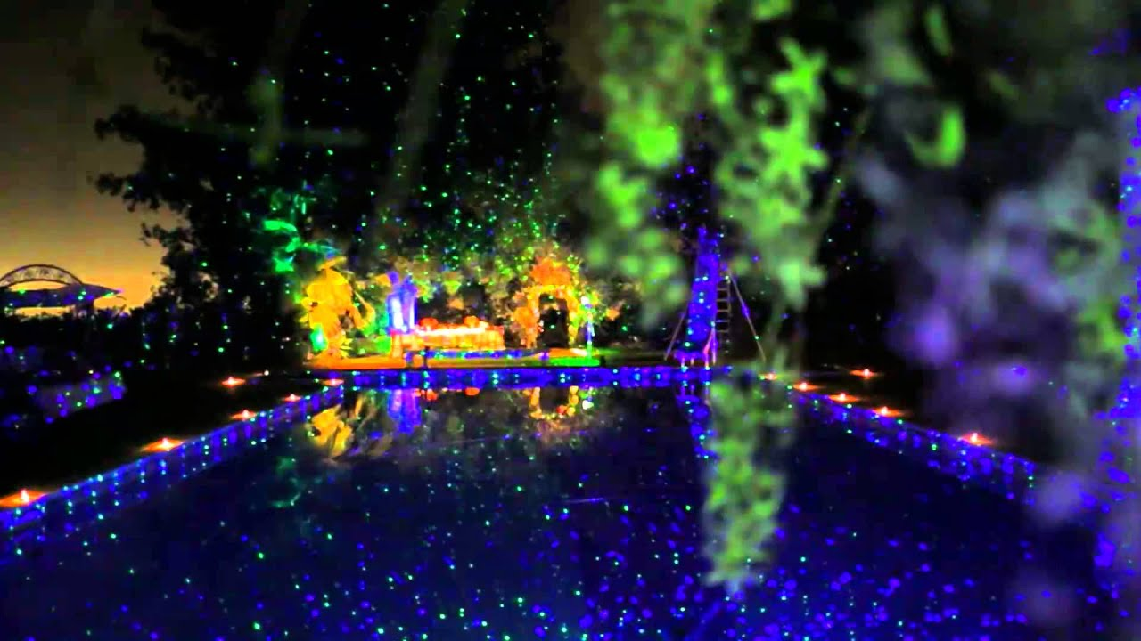 Lovely Blisslights Outdoor Indoor Firefly Light Projector with Timer