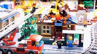 Машинки Томми и Мэгги посетили город из Лего. Видео для детей.(Сегодня машинки Томми и Мэгги побывают на выставке Лего. Город Lego - это что-то невероятное! В лего сити они..., 2015-11-25T06:46:18.000Z)