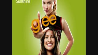 GLee Cast - Walking on Sunshine/Halo (HQ)